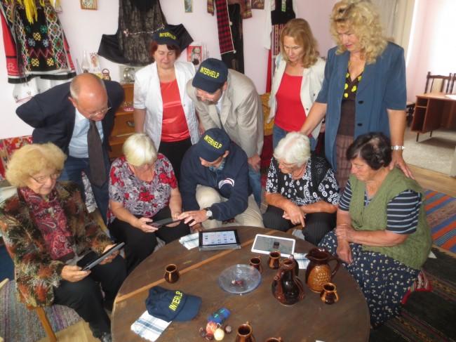 Bulgarischer Wissenschaftsminister startet neues Interhelp-Projekt für verzweifelte Senioren